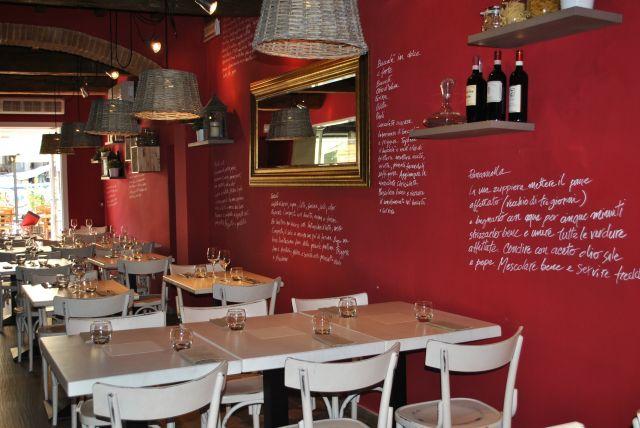 Il menu è scritto in Toscano, nella carta dei vini potrete trovare ...